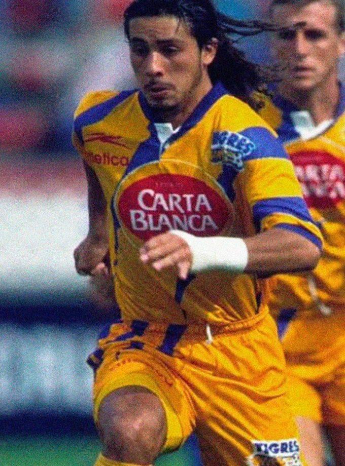 Jersey Retro Futbol Tigres UANL 1996 Local M - Diablo Núñez